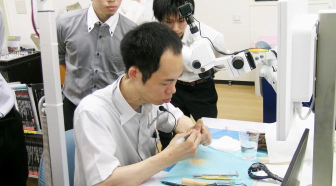 【2015/09/06】歯科技工士会による講習会にてデモンストレーションを行いました。