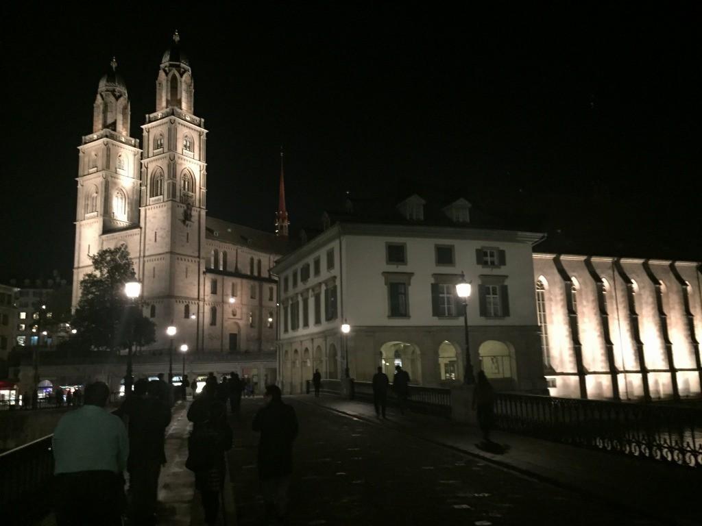 ▲チューリッヒ大学大学のシンボル 聖母教会